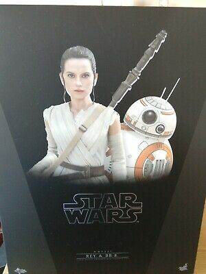 Hot Toys 1/6 scale Rey and BB8 set new, undisplayed complete set