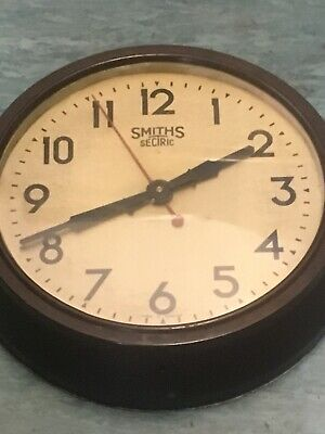 Large Smiths Electric Bakerlite Clock