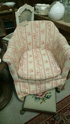 Vintage bedroom or salon tub chair with seat cushion for reupholstery
