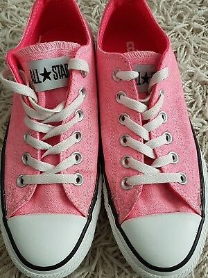 All star converse pink girls trainers  size 5 mint condition