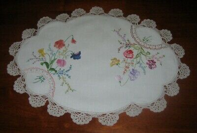 Beautiful Vintage Hand Embroidered Table Centre Piece/doily ~ Sweetpeas
