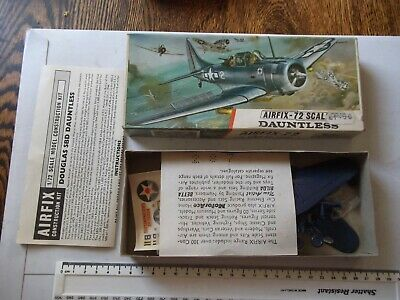 Airfix   Vintage Plane Kit In Very Good Condition - Dauntless