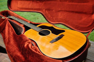 Gibson J50 Deluxe Acoustic Guitar USA 1975