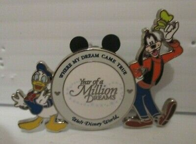 Walt Disney World Year Of A Million Dreams Donald Duck & Goofy Gift Award Pin