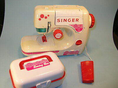 MIOB SINGER CHILDS Chain-Stitch SEWING MACHINE ..Battery Operated