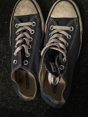 fed32590c26f4b LADIES WELL WORN Converse Shoes Size 6