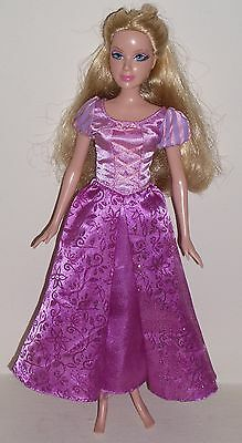 Open Eyes Fixed Solid Head,Blond Styled Hair Jointed Princess 2006 Barbie Doll