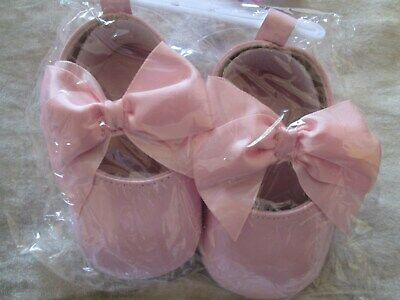 NEW With Tags baby Girls Bow Soft Pram Shoes In Pink Size 3-6 Months