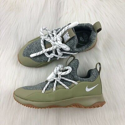 best cheap 57d55 71ab6 Women s Nike City Loop Green Sneakers size 10