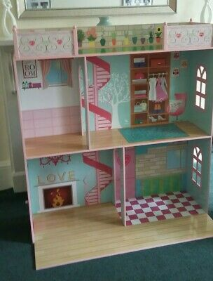 "Large Sindy Dolls House Suitable for 18""  Suitable 3 years+ NEW- Ex Display"