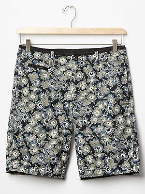 892b9be875 NWT $45 GAP 100% Cotton LIVED IN Light Gray Floral Bermuda Walking Shorts 36