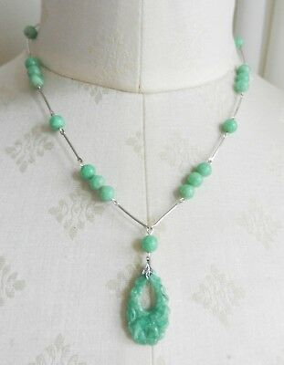 Vintage Art Deco Silver Tone and Green Peking Glass Pendant Necklace