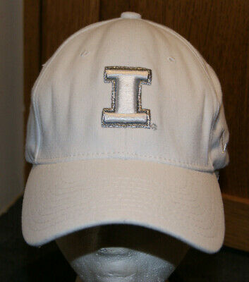 hot sale online c938b 2d243 Vtg Illinois Fighting Illini White   Silver Fitted Hat M L Zephyr Cap NCAA