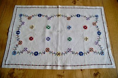 VINTAGE NATURAL UNBLEACHED LINEN BUTLERS TRAYCLOTH Hand Embroidered