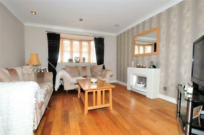 Uk:fabulous Townhouse,3 Beds,3 Bathrooms-Wraysbury Village,Near Staines:£425,000