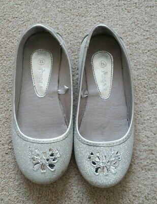 Monsoon girls lovely silver sparkling shoes UK Size 12 in good condition as show