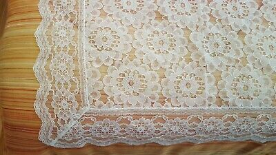"""Allencon chantilly lace style white to beige pattern tablecloth 49"""" x 68"""" vtg"""