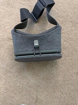 Google Daydream View Slate VR Headset & Controller (first edition) - Used twice