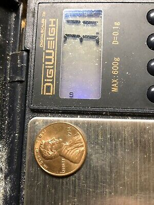 1982 penny small date copper. Weighs 3.1 grams. This is a very rare coin!