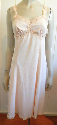 Glorowin beautiful light skin-tone lacey vintage full slip size 12 (US 8)