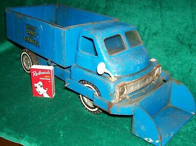 Vintage Wyn-Toy Sand and Gravel Tip truck 1960s