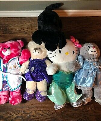 Build-A-Bear Set Of 5 (Bears, Hello Kitty, Dog & Cat) In Great Condition!