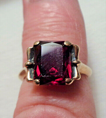 Antique Art Deco 10K Yellow Gold Red Ruby Ring 3.8 grams size 6