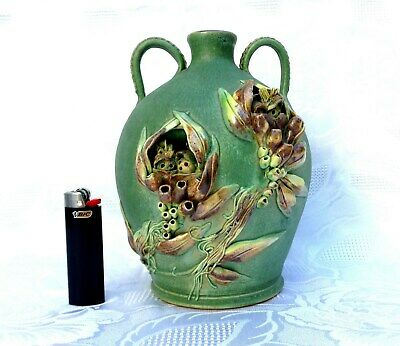 UNIQUEVeryLarge Hand Made SAYERS Gumnut Vase HANDLES Green Glaze EARLY!