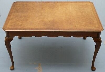 Vintage 1920'S Solid Burr Walnut 4-6 Person Dining Table Elegant Cabriolet Legs