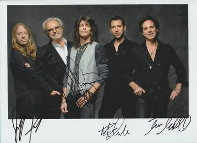 FOREIGNER (Mick Jones + 4)  in person signed glossy PHOTO  20 x 27 cm AUTOGRAPH