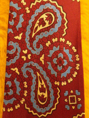 VINTAGE ANTIQUE 1930s 1940s ~ MENS TIE NECKTIE ~ MAROON RED & BLUE WHITE PAISLEY
