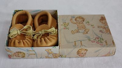 Vintage Handmade Leather Baby Moccasins Size 3 in Original Vintage Gift Box
