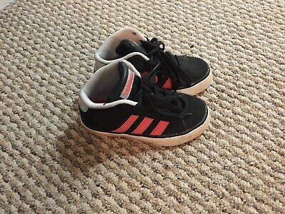 YOUNG GIRLS ADIDAS Neo Label BlackPink Uk Size 10K Trainers