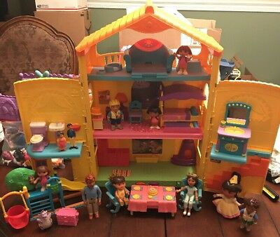 Fisher-Price Dora the Explorer Window Surprises Dollhouse Works With Many Extras
