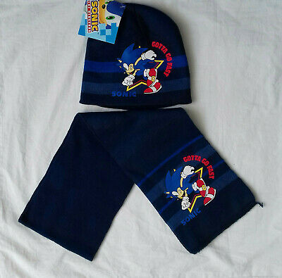 BNWT Sonic the hedgehog beanie hat,scarf and gloves set.approx.3-5 or 5-7yrs