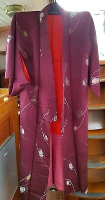 Fab Maroon With Pattern And Red Lining Silk Vintage Japanese Full Length Kimono