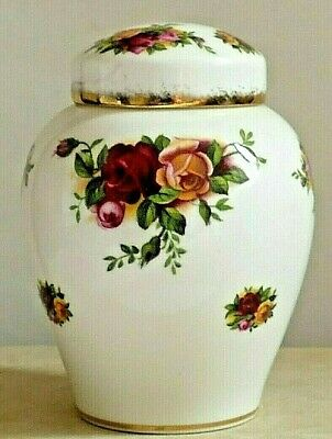 "ROYAL ALBERT OLD COUNTRY ROSES ~ Ginger/Storage Jar ~ Gold Borders ~ 4"" Tall"
