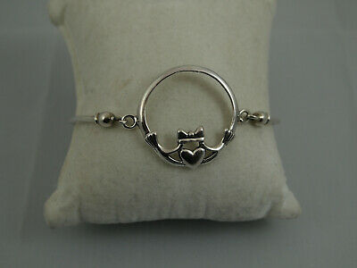 Sterling Silver 925 Claddagh Bangle Bracelet With Latch Hook Closure