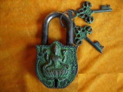 Rare tibet Chinese old style Brass Carved BIG fengshui beast buddha lock/2keys