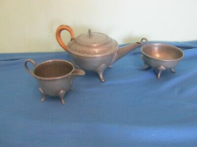 Gorgeous Roundhead Leadless Pewter arts and crafts hammered 3 piece tea set 8016