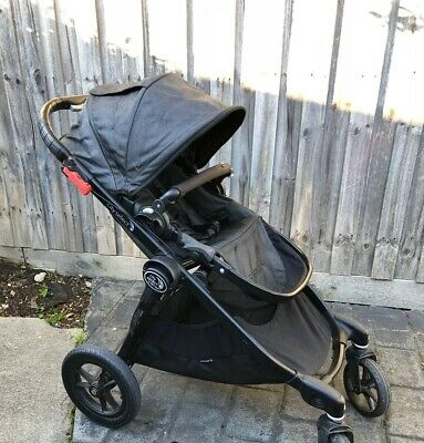 City Select Baby Jogger Pram With Bassinet And All Accessories