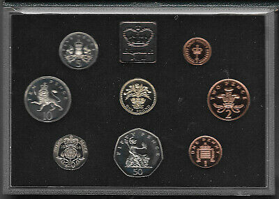 Great Britain 1984 Proof Coin Set Very Light Toning