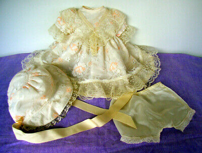 Delightful 3 piece outfit - fits 22in HP Pedigree doll or similar.