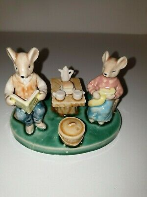 Vintage Ceramic Ornament Mice Mouse Reading Cute Collectable