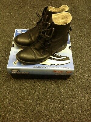 51895c4280418 Used but good condition Clarks leather ladies boots with fleece lining