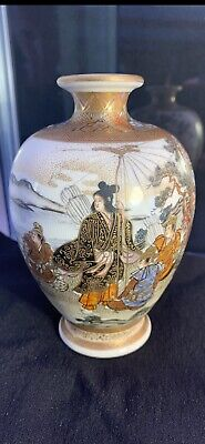 Beautiful Satsuma Meiji Vase Japanese Samurai Scene