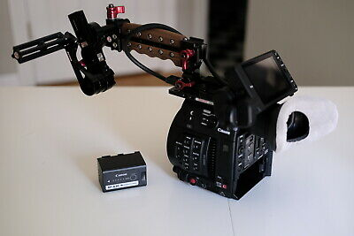 CANON EOS C200 Cinema Camera EF-Mount with Accessories