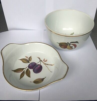 Royal Worcester Evesham Vale Set Of 2 Bowls
