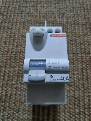 Merlin Gerin Interrupteur Differentiel 40 A 30 mA type AC ref 23160