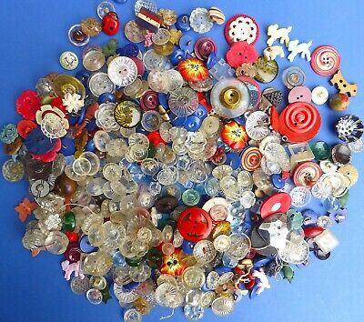 Tin + 100s Interesting Vintage Buttons Plastic Celluloid Bakelite Novelty 1930s+